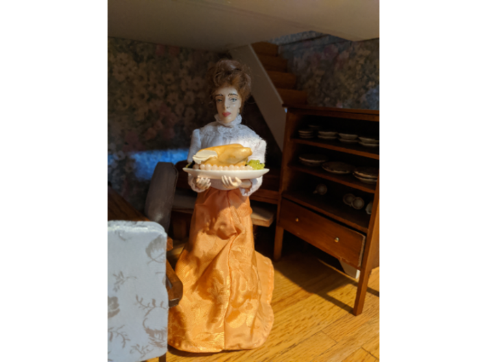 1/12 Dollhouse Doll Victorian Constance 3d printed In a 1/12 dollhouse. Standing on her own!