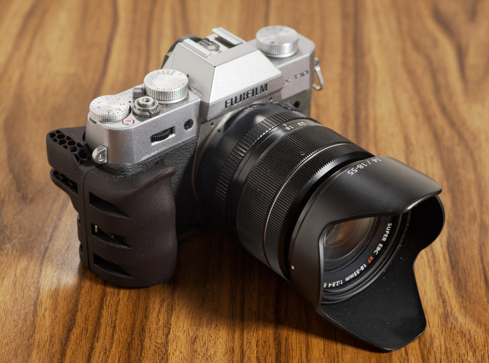 Ergonomic grip for X-T30 3d printed This image shows the X-T10 with according grip.