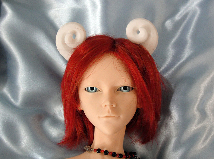 Bjd Ram Horns: side Magnet SD size 3d printed Horns show on a SD sized doll head