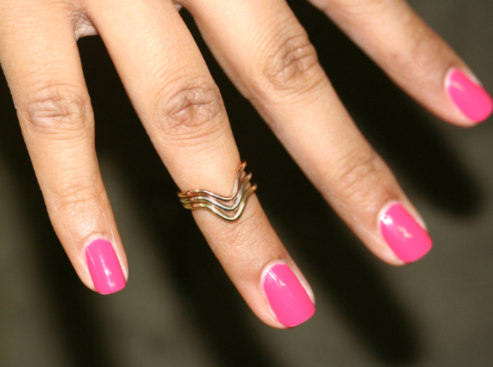 Wave Midi Ring 3d printed White, yellow and pink shown on a hand