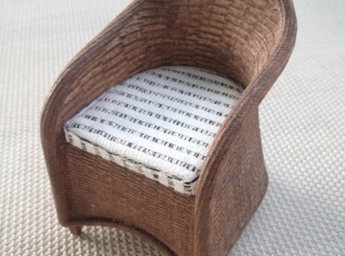 1:12 Chair Wicker 3d printed paint and add cushion...
