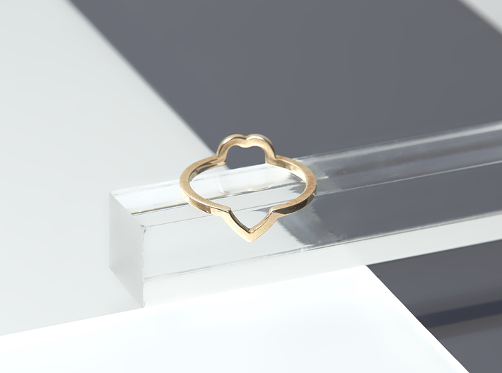 Heart Illusion Ring 3d printed