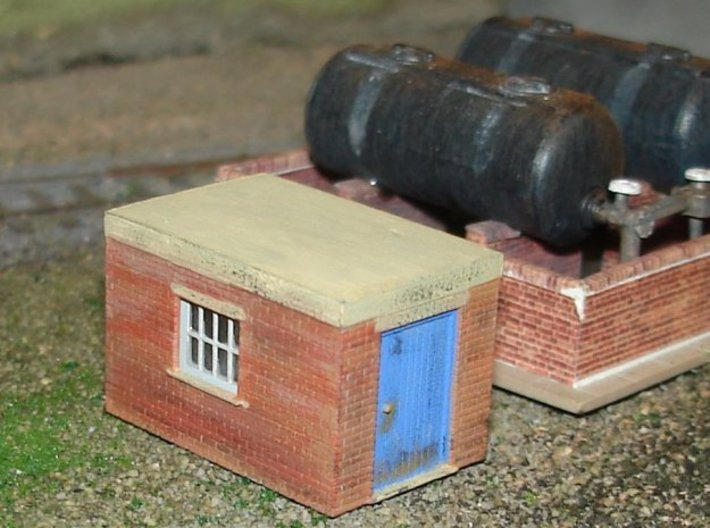Pump Shed 2mm/ft (N scale) 3d printed Painted model with Ratio oil tanks.