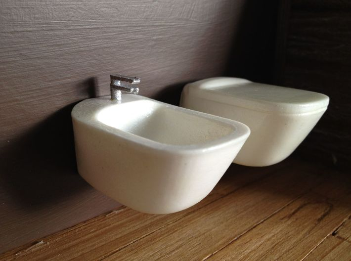 Toilet, wall hung with lid - 1:12 3d printed 1:12 in combiation with bidet