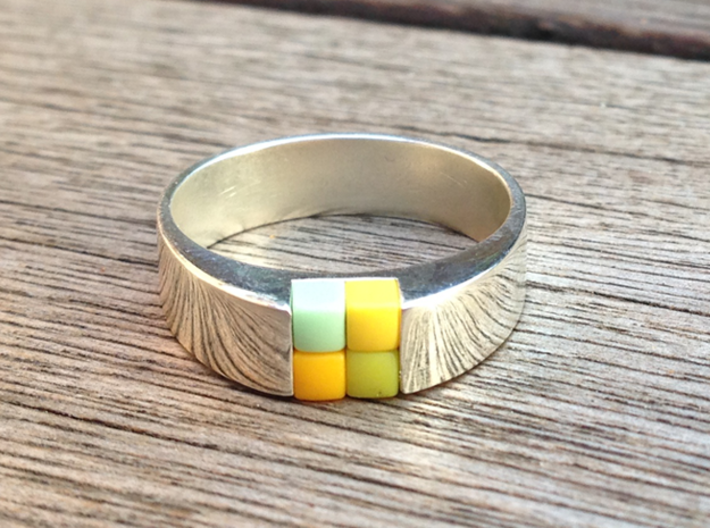 4-bit ring (US9/⌀18.9mm) 3d printed 4-bit ring with 4 pixels in polished silver