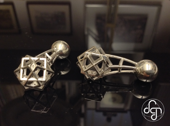 Tricube Cufflinks 3d printed Front and side view [Polished Silver]