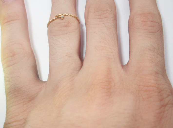 Dainty Screw Ring - Sz. 6 3d printed