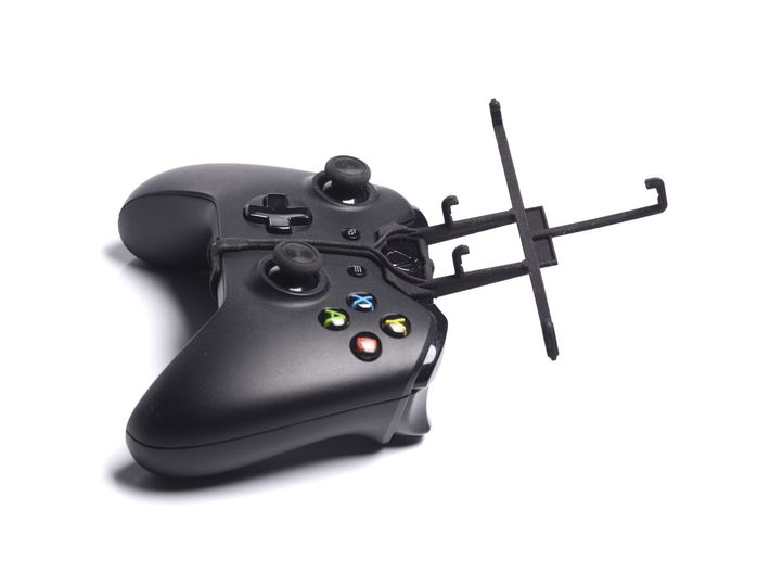 Xbox One controller & XOLO Q1000s plus 3d printed Without phone - A Samsung Galaxy S3 and a black Xbox One controller