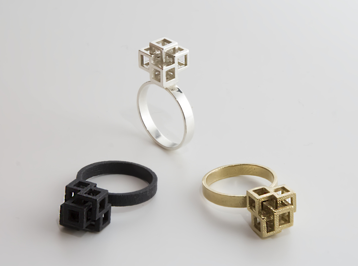 Quadro Ring - US 8 3d printed Matte Black - Silver Polished - Raw Brass