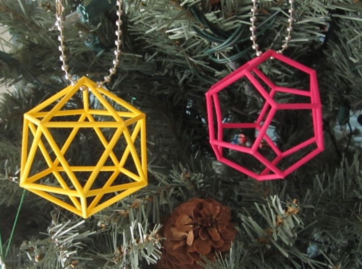 Icosahedron (100 cc) 3d printed On a Christmas Tree