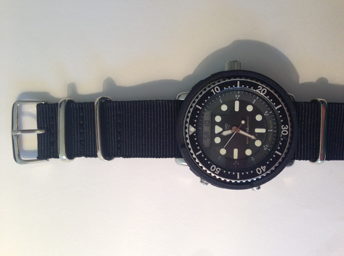Aftermarket H558 Shroud ***Printed Horizontally*** 3d printed ***Printed Horizontally*** Black on H558 paired with black nato strap (Watch and Strap NOT included)
