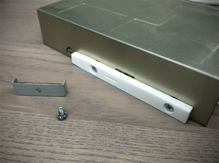 """3,5"""" Floppy Rails compatible to Amiga 3000 T 3d printed mounted to floppy"""