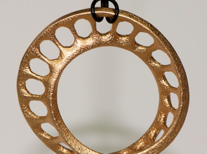 mobius track 4 cm 3d printed Print in Gold-Plated Stainless Steel