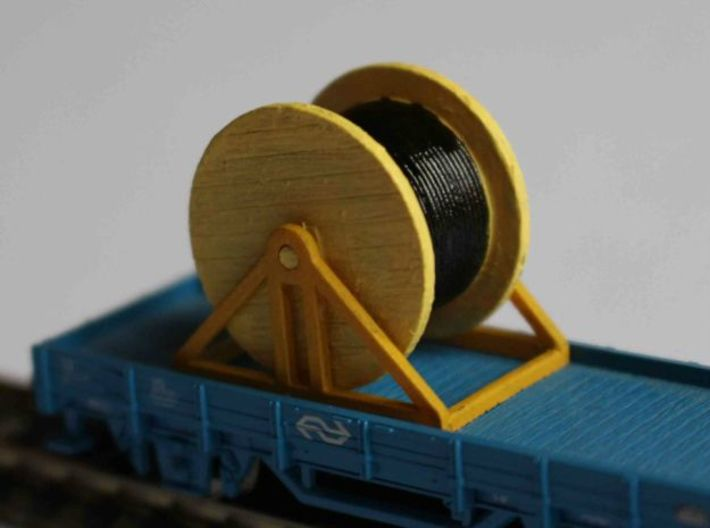 N Scale Cable Reel (Full) On Stand 3d printed Painted model on flat car.