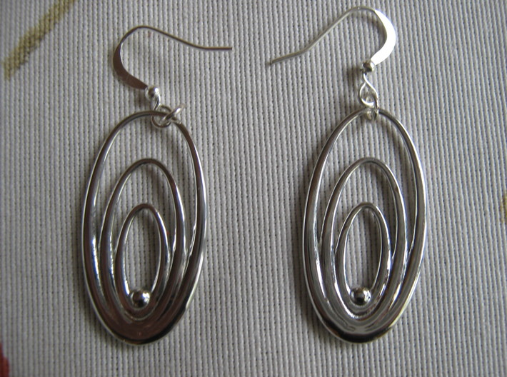 Three Torus Earrings 3d printed