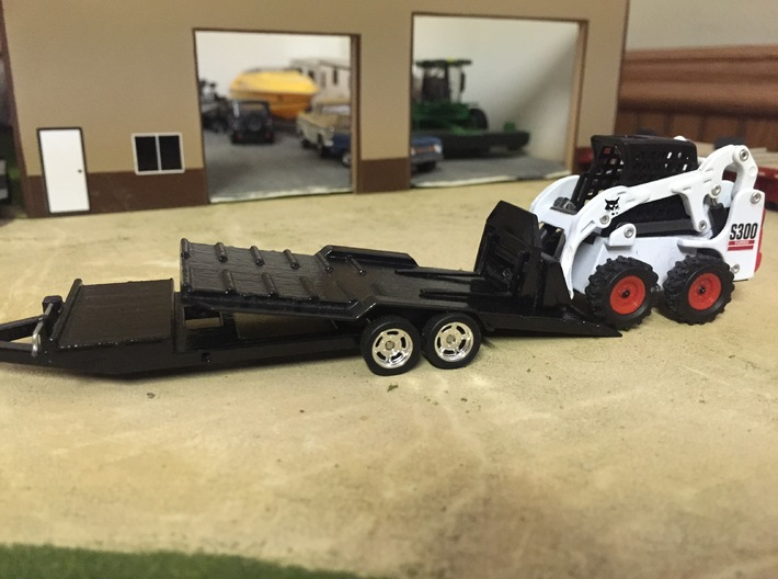 1/64 22' Tilt Trailer. GREENLIGHT HITCH 3d printed Finished Trailer (bob cat, wheels and tires not included)