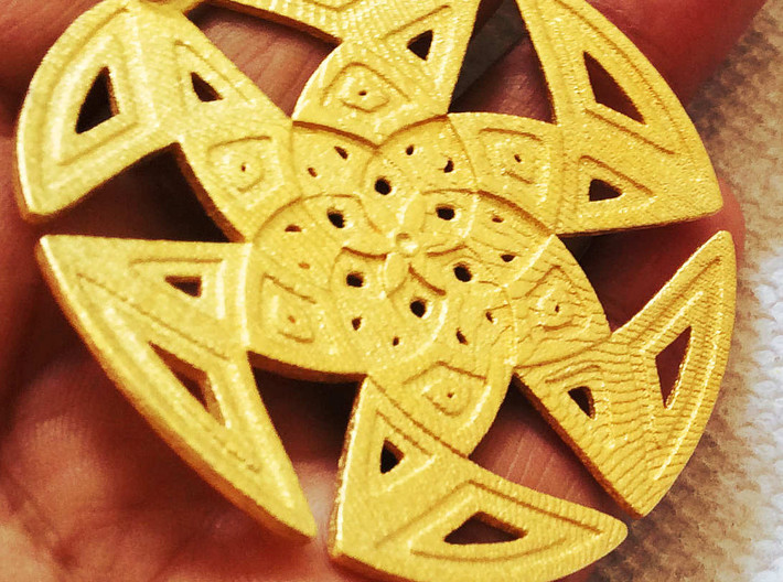 Curved Islamic Pattern Pendant 3d printed
