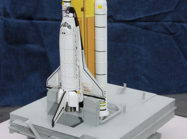 1/400 Shuttle MLP, launch pad NASA 3d printed My first customer's model, with Dragon Shuttle fitted.
