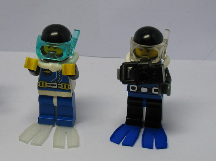 Minifig Splitfin without blade angle 3d printed Standing Divers
