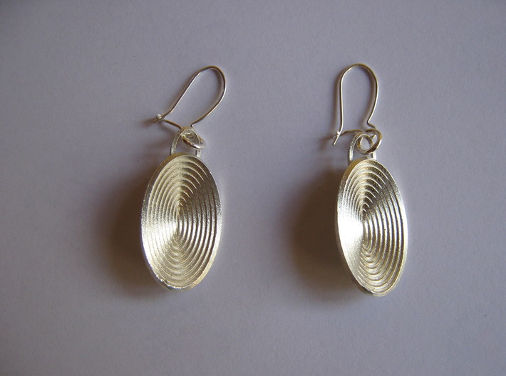 Moebius Disk Earrings 3d printed