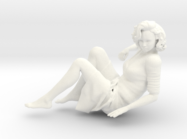 Lady sitting-008 scale 1/24 Passed 3d printed