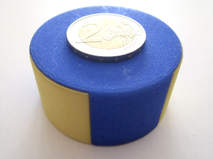 Half Tricky Box 3d printed with a 2 euro coin, to see the scale