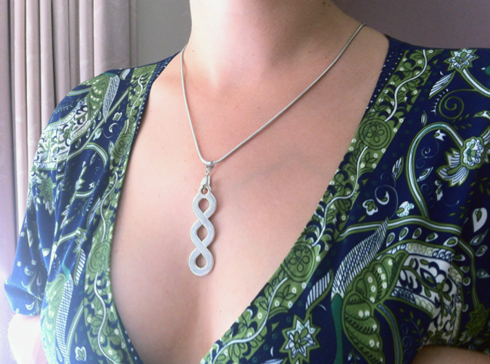 Pleter Pendant 3d printed Worn with the flat finish